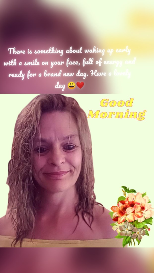 There is something about waking up early with a smile on your face, full of energy and ready for a brand new day. Have a lovely day 😀❤️