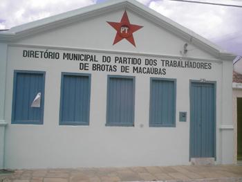 Sede do Partido dos Trabalhadores, agora a frente no governo, no centro de Brotas. Foto: Eduardo Sá.