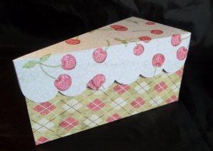 Fatia-bolo-de-papel-com-tampa-ondulada-02 Fatias decorativas de bolo falso com tampa ondulada - Bolo Fake de papel