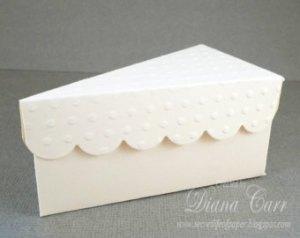 Fatia-bolo-de-papel-com-tampa-ondulada-03 Fatias decorativas de bolo falso com tampa ondulada - Bolo Fake de papel