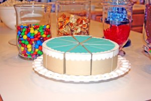 bolo-de-papel-com-tampa-ondulada-01 Fatias decorativas de bolo falso com tampa ondulada - Bolo Fake de papel