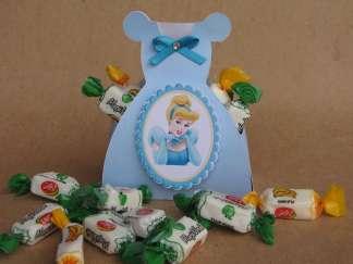 Lembrancinha-Vestido-caixa-para-festa-princesa-04-1 Moldes de Caixinhas Vestido - Princesas, Fadas, Noivas e Debutantes