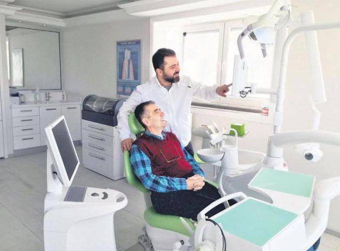 Чем отличается одномоментная имплантация зубов от обычной процедуры