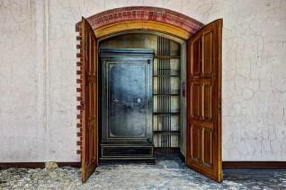 closet-426388_640