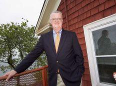 Author Ray Batvinis