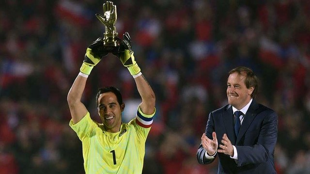 Claudio Bravo rounds off a perfect season