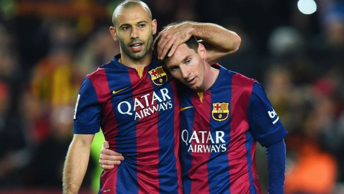 BARCELONA, SPAIN - MARCH 22: Javier Mascherano and Lionel Messi of Barcelona celebrate victory after the La Liga match between FC Barcelona and Real Madrid CF at Camp Nou on March 22, 2015 in Barcelona, Spain. (Photo by Alex Caparros/Getty Images)