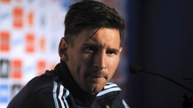 Messi takes legal action against El Mundo
