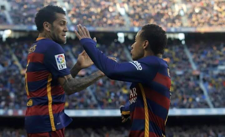 Alves: We won't let the praise go to our heads