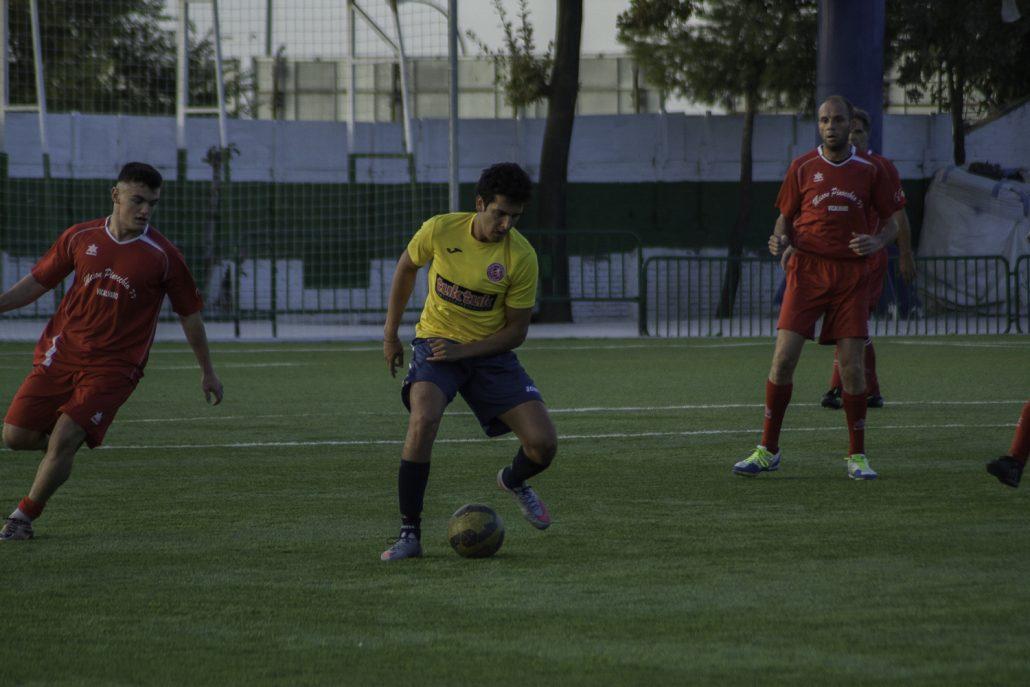 FCB departing midfielder Ismael Majid in action against Bar La Rueda
