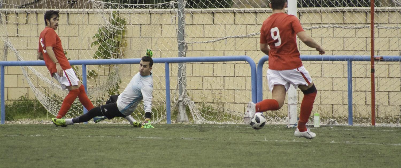 FCB striker Lewis JOnes taps in his 2nd from close range against CD Banco de España