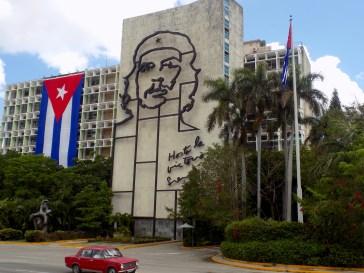 Cuba - Che Guevara image on hotel
