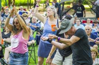 crowddance2