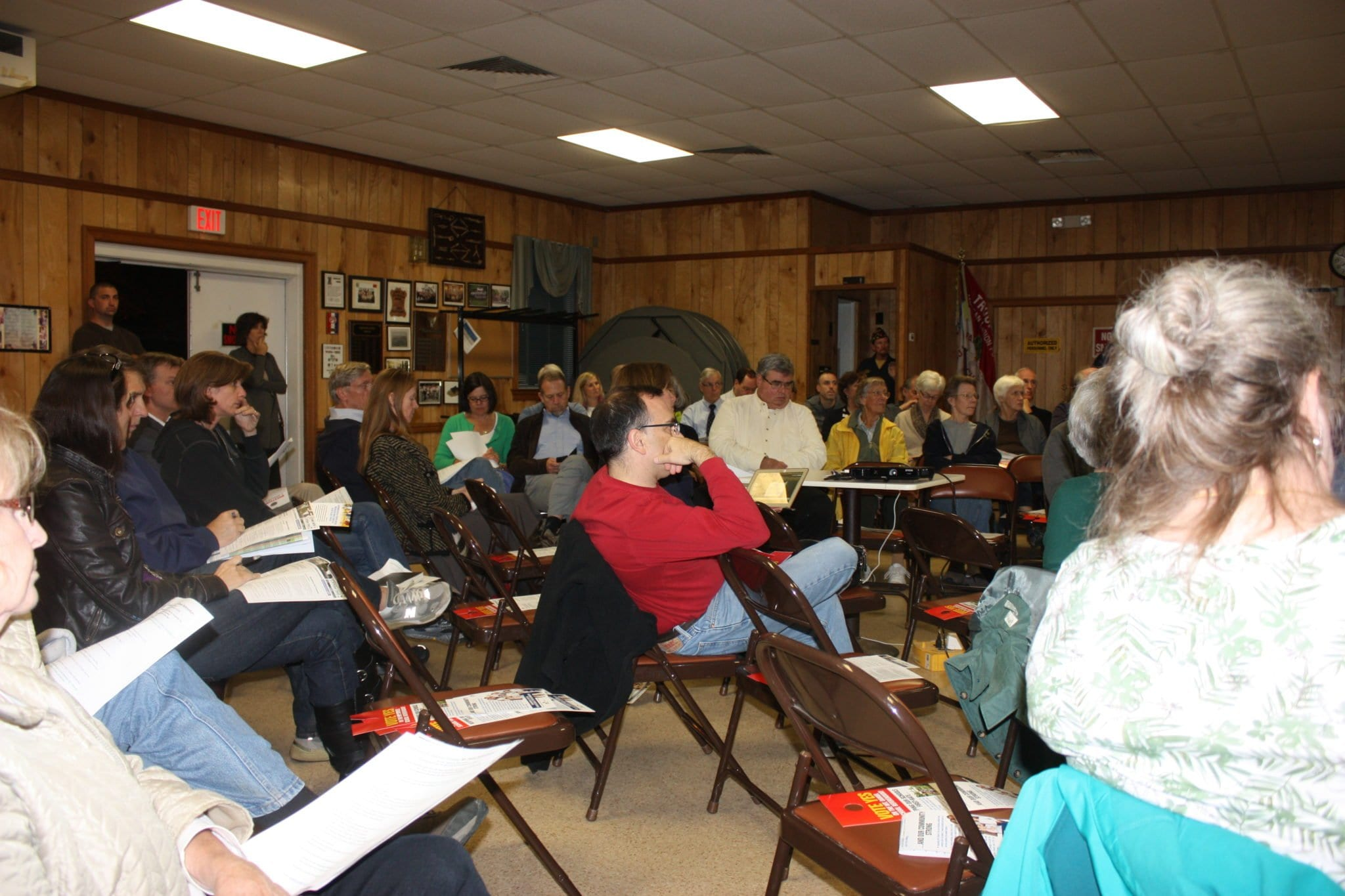 Proponents and opponents of the Mt. Daniel Elementary school bond referendum on the Nov. 4 ballot in Falls Church sparred for two hours in a lively forum at the American Legion Hall last Thursday night. (Photo: News-Press)