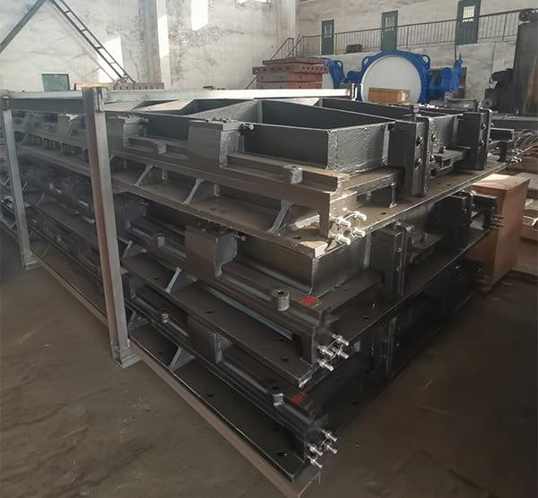 Cast iron penstock