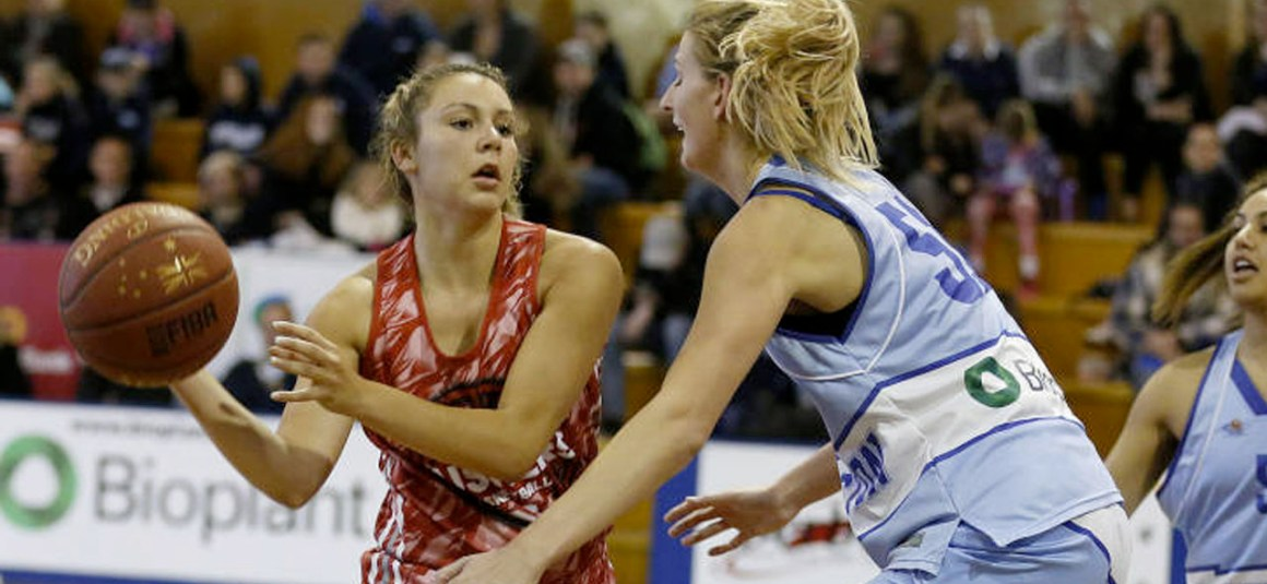 HUSKER WOMEN DROP OPENER DOWN UNDER