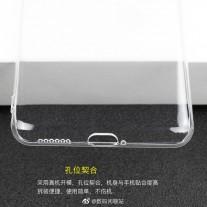 Casing Huawei Mate 40: lubang di bagian atas terlihat cukup besar untuk jack 3,5 mm