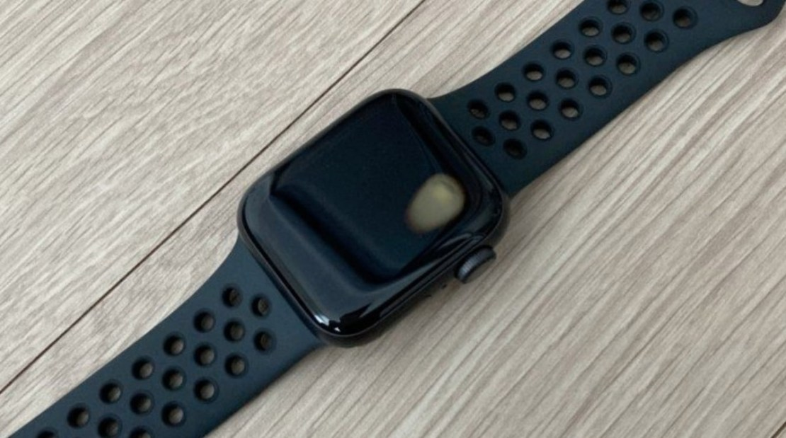 A small number of Apple Watch SE owners in Korea have had them overheat