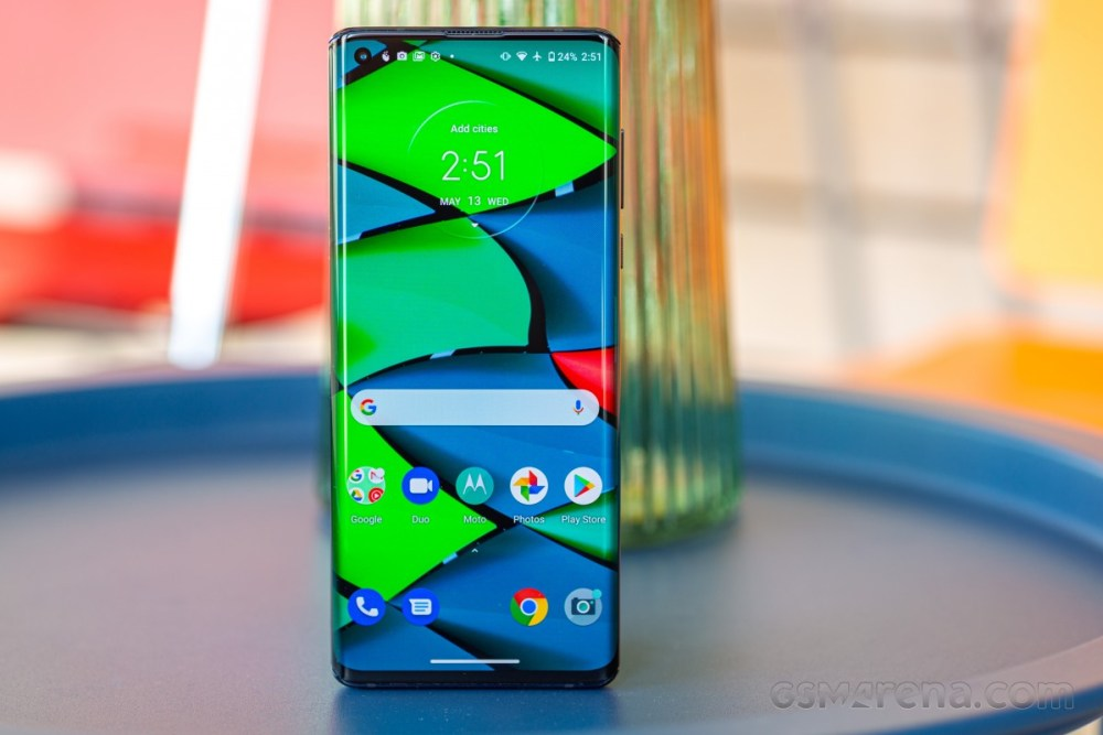 Deal: Motorola Edge drops to just $399.99 unlocked