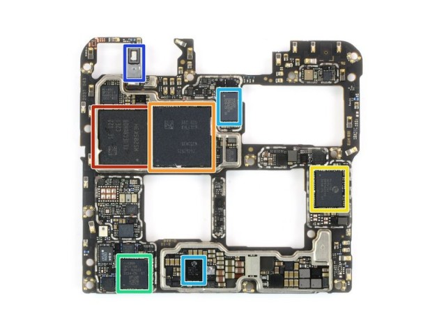 Mate 40 Pro mother board (credit iFixit)