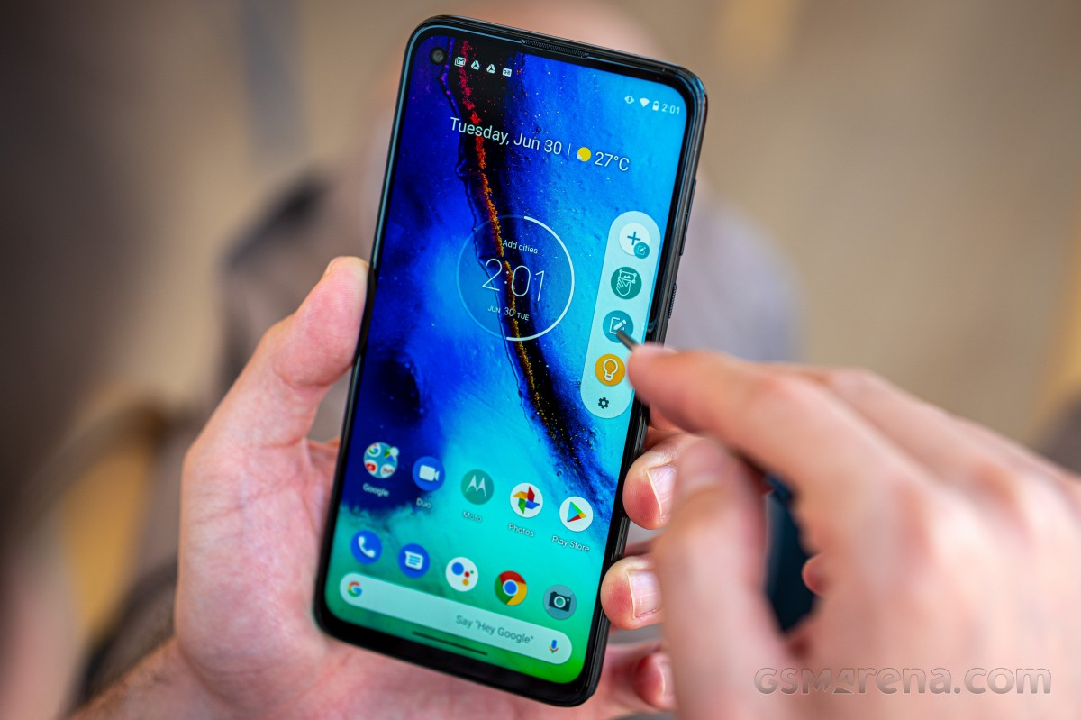 The Motorola Moto G Pro is now getting Android 11