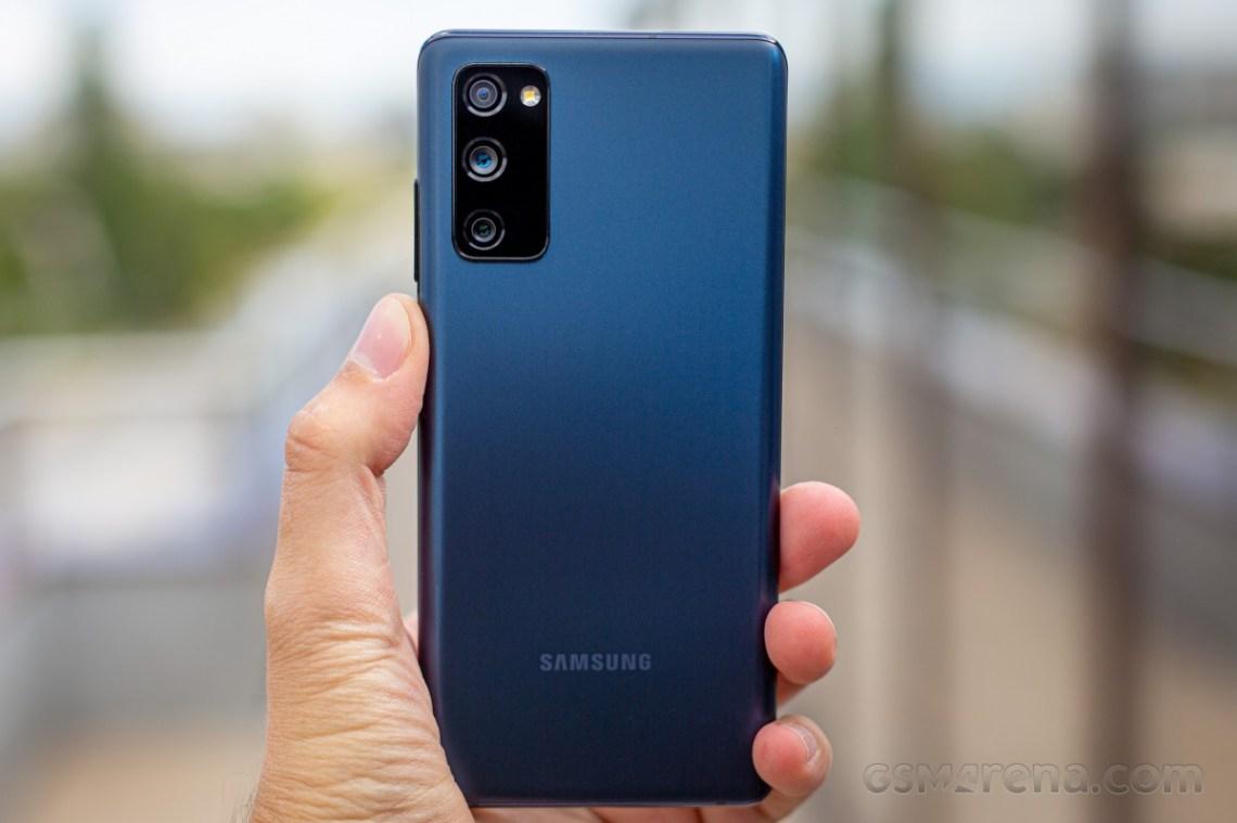 Samsung menghentikan pembaruan One UI 3.1 Galaxy S20 FE