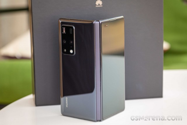 Huawei Mate X2 in for review