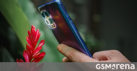 The Moto G100 brings the Snapdragon 870 and a 5,000 mAh battery to the global scene
