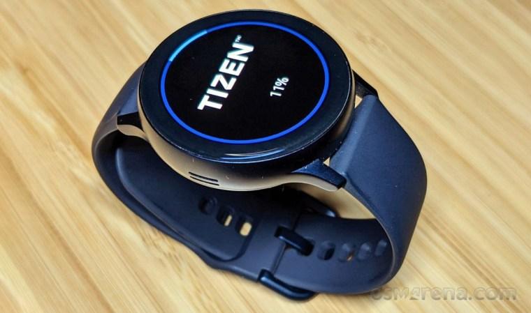 Samsung Galaxy Watch Active2 receiving a firmware update