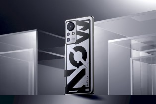 The Infinix Concept Phone 2021 is a chameleon - it can change from silver gray to light blue