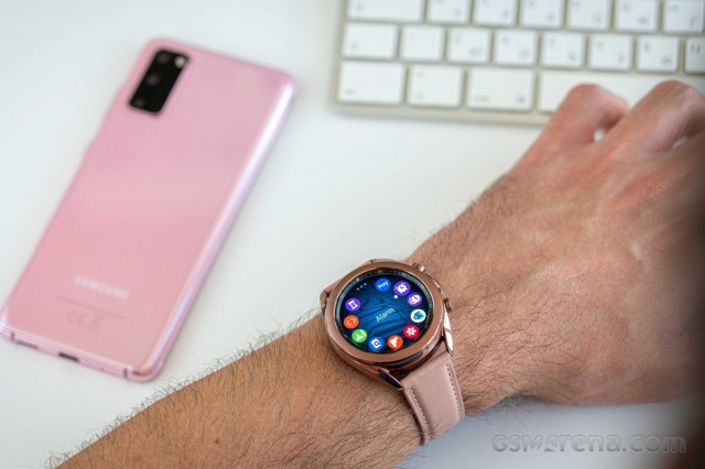 Samsung certifies two Galaxy Watch4 devices, will ship without adapter