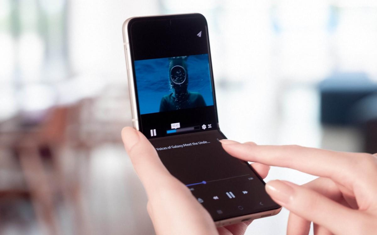 Samsung Galaxy Z Flip3 menghadirkan tampilan sampul yang lebih besar, bingkai Armor Aluminium
