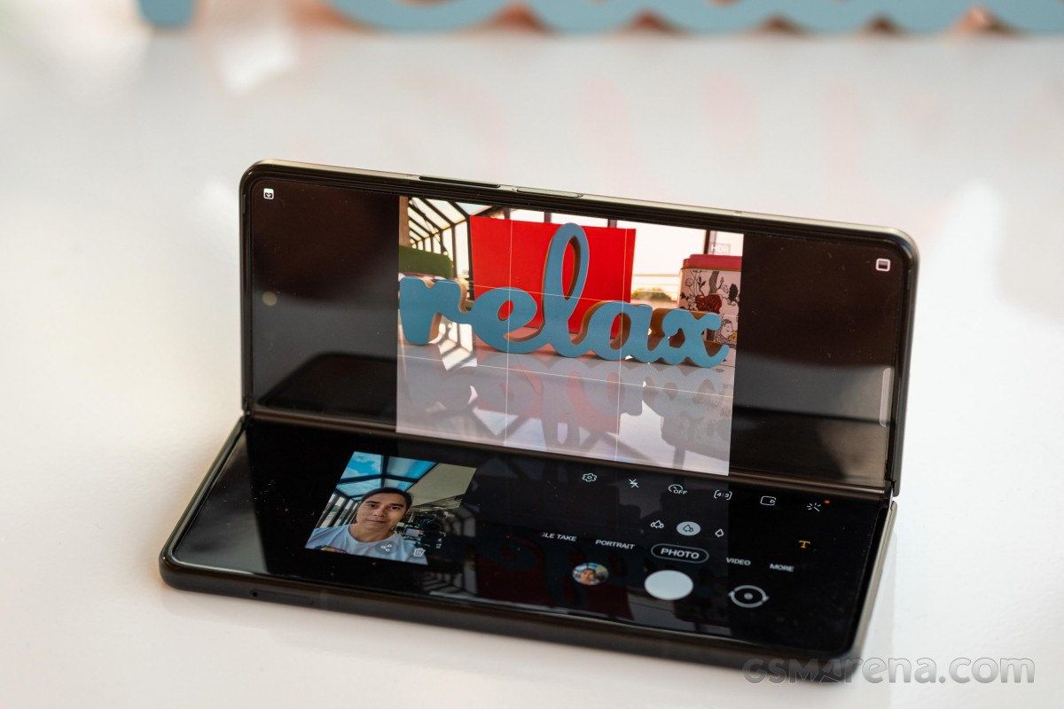 Ulasan video Samsung Galaxy Z Fold3 5G kami keluar