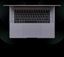 Keyboard diapit oleh dua speaker 2W
