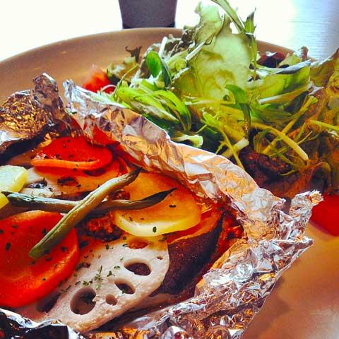 根菜と白身魚のホイル焼き