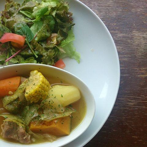 たっぷり野菜とお肉のジンジャーポトフ ベジブロス仕上げ