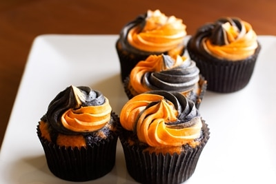 Ghoulishly Awesome Orange And Black Halloween Cupcakes