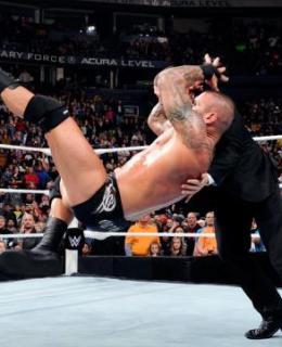 WWE Raw Randy Orton RKO