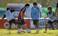 FBL-WC2010-QUALIFIERS-ARGENTINA-TRAINING-MARADONA