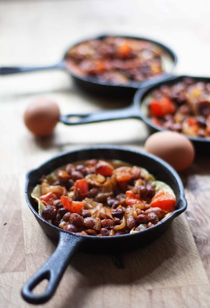 Huevos Rancheros - Skillet Eggs | Feasting At Home