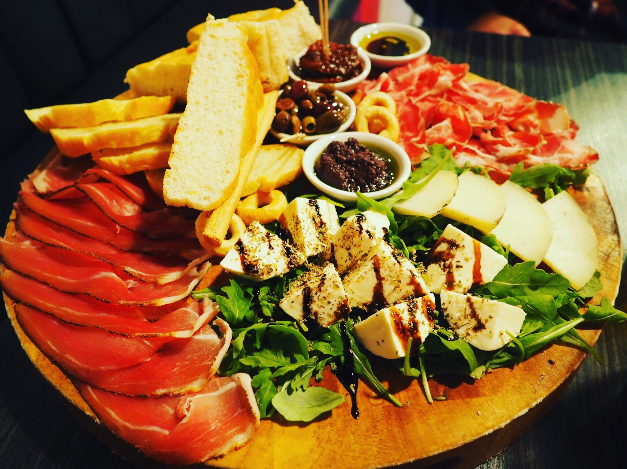 Veeno-York-Food-Platter