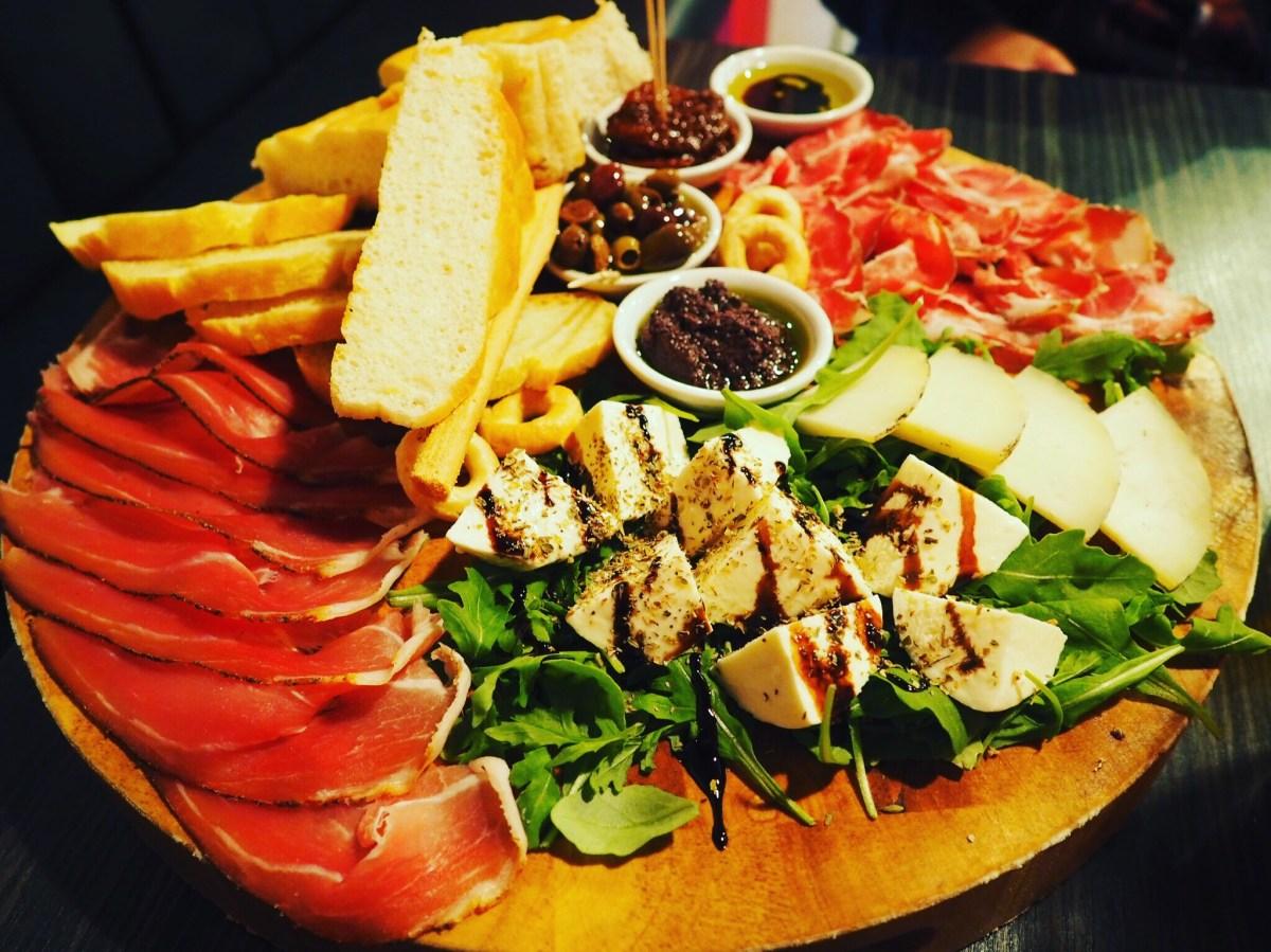 Veeno-York-Food-Platter
