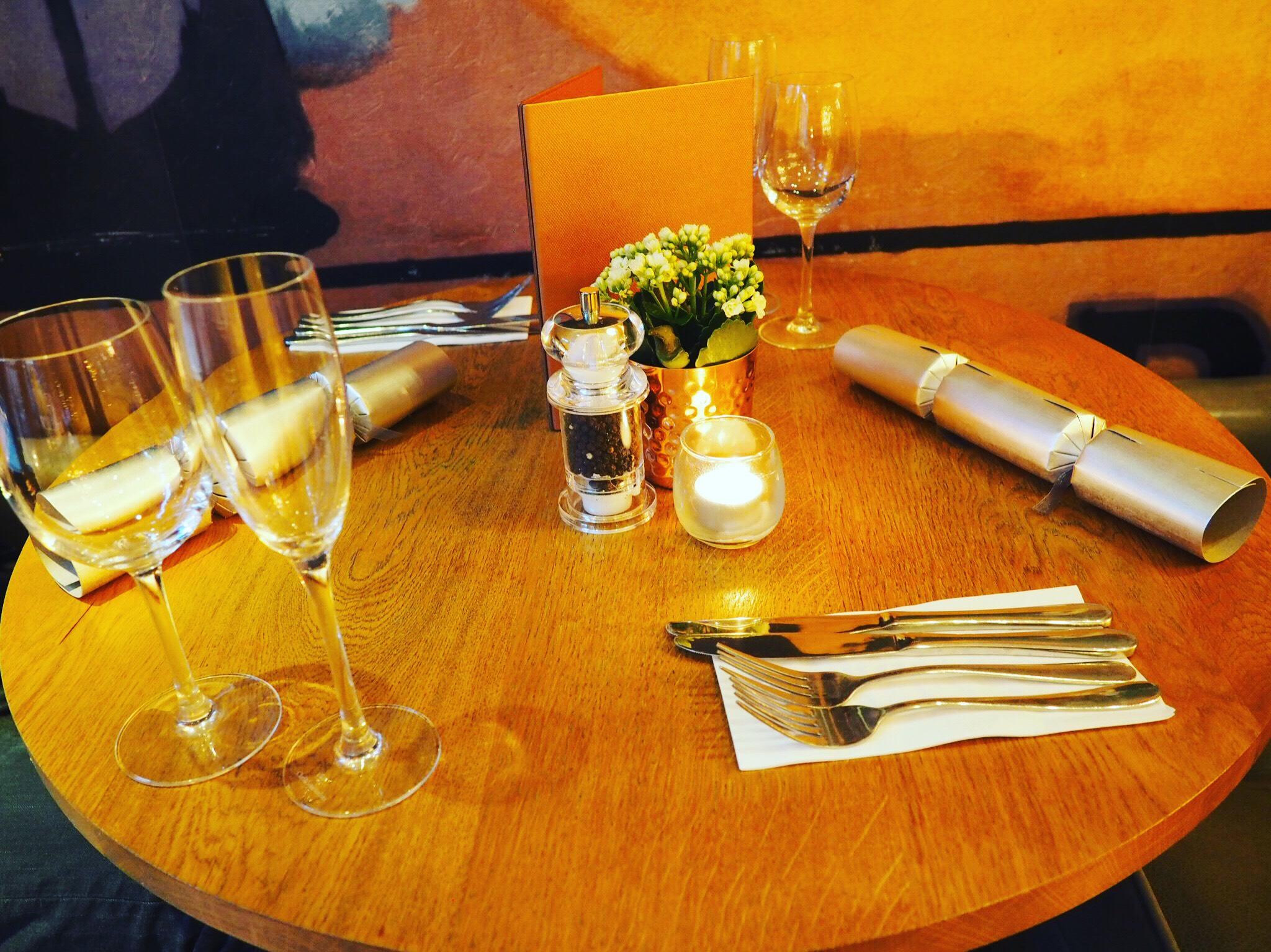 AllBarOne-Festive-Table
