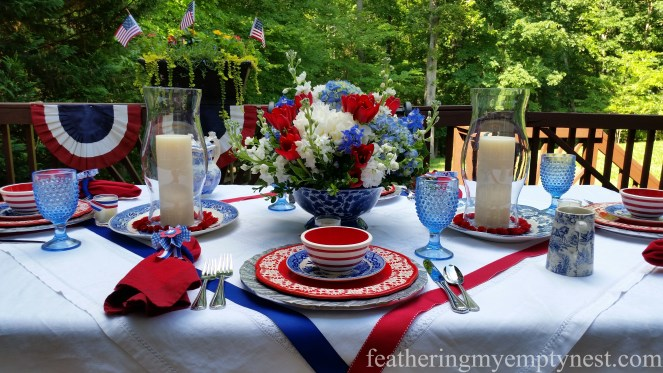 Picnic dinner on the deck with an Old-Fashioned 4th of July Tablescape
