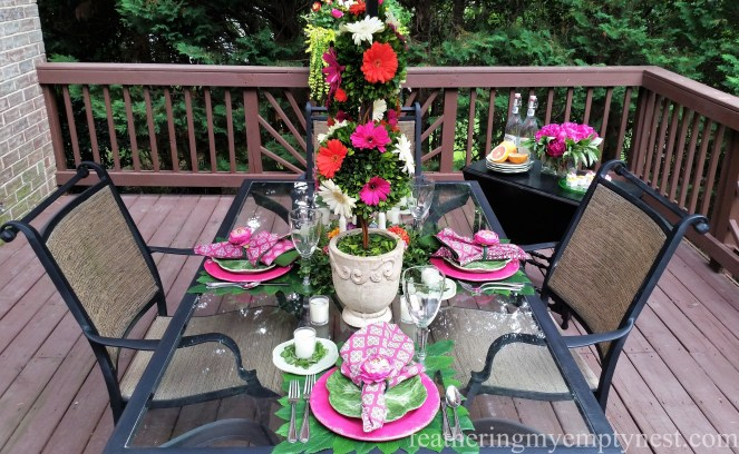 A sultry July evening is the perfect time to take advantage of everything that is blooming in your garden and host a dinner party with a RomanticFlower-themed Summer Tablescape