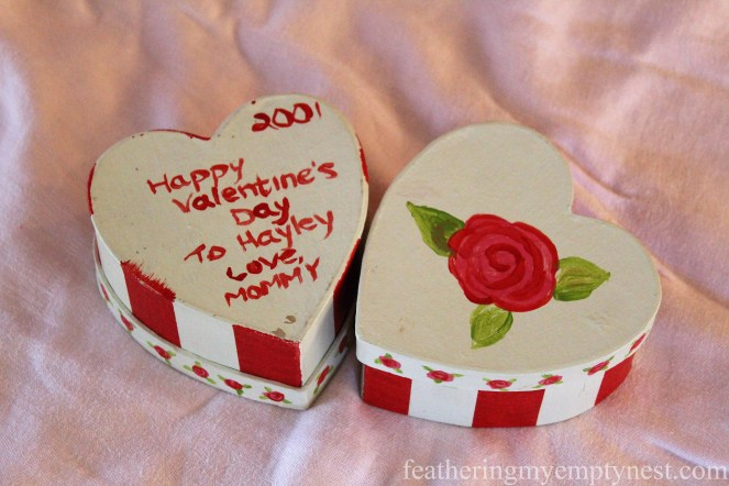 Hand painted heart-shaped valentine trinket boxes --Valentines Ideas: Love Notes Through The Years