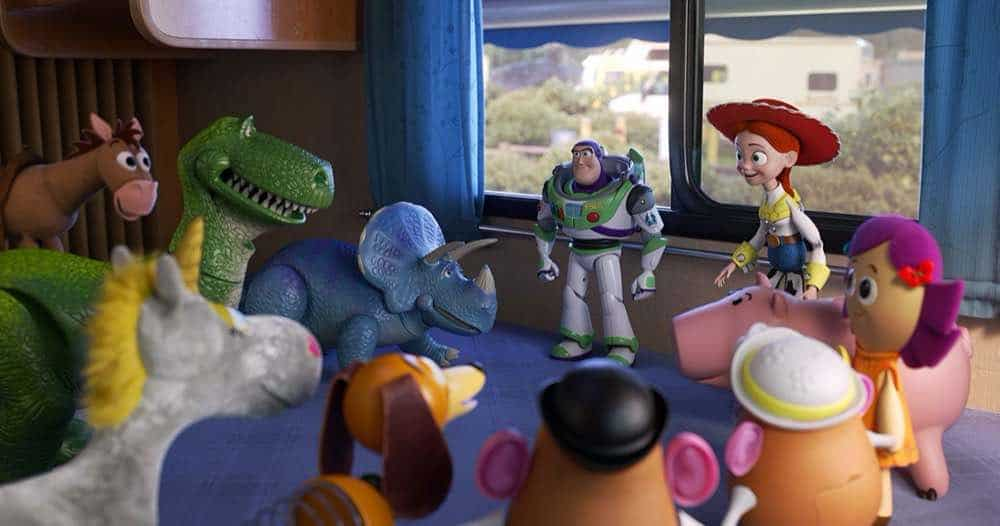 Toy Story 4 Buzz Lightyear and Jessie talking to the toys