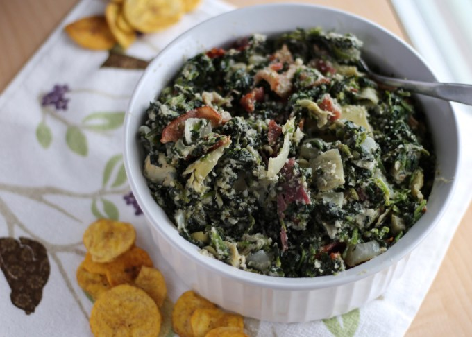 Spinach Artichoke and Bacon Dip - grab your favorite chips or veggies and dive into this creamy dip that's both paleo and dairy-free! | fedandfulfilled.com