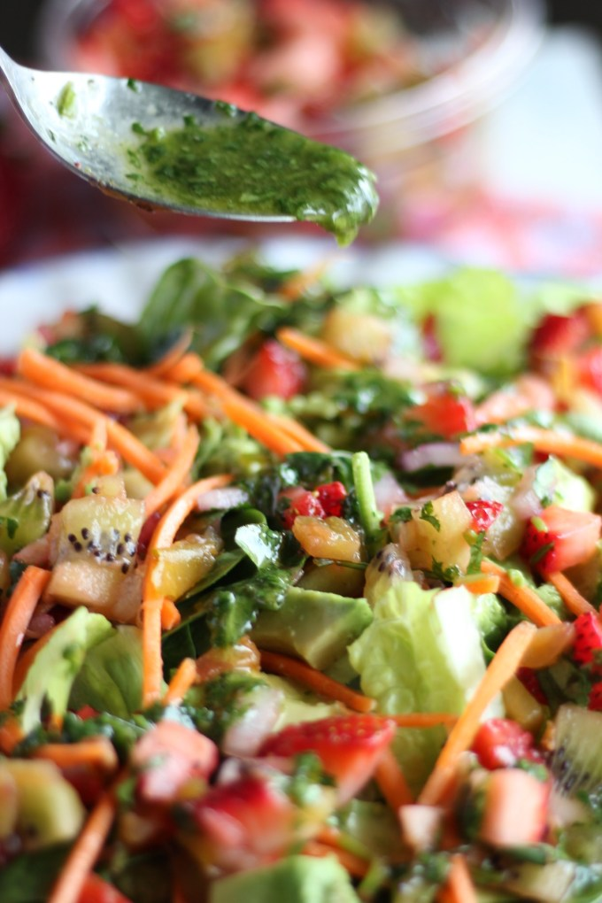 Strawberry Kiwi Salad with Crispy Chicken and Cilantro Vinaigrette - this salad is loaded with color and flavor and it's oh so healthy! | fedandfulfilled.com