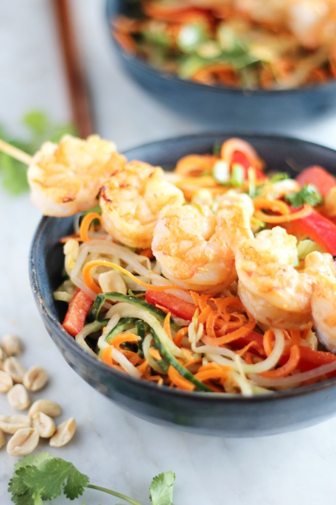 Pad Thai Salad with Grilled Shrimp - a gluten-free, grain-free salad inspired by classic Pad Thai flavors! | fedandfulfilled.com